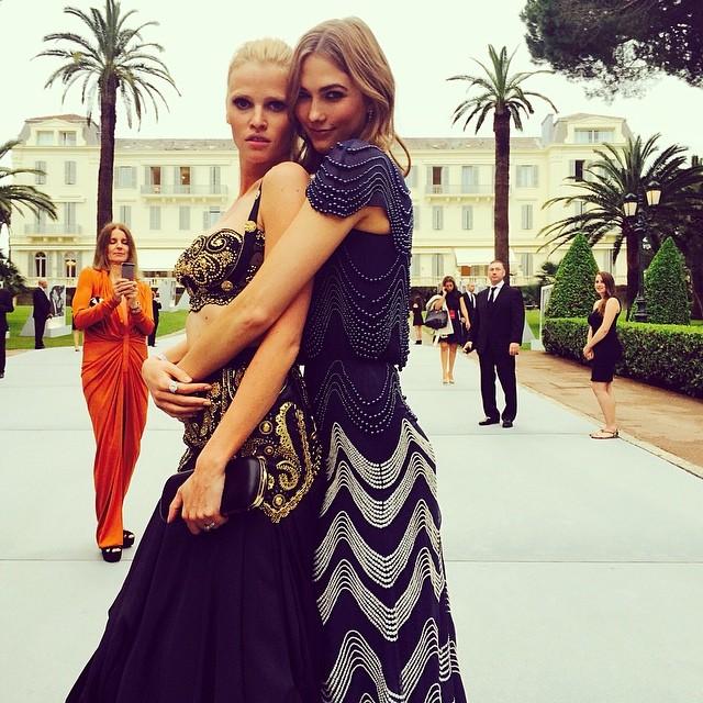 Lara Stone & Karlie Kloss share a hug