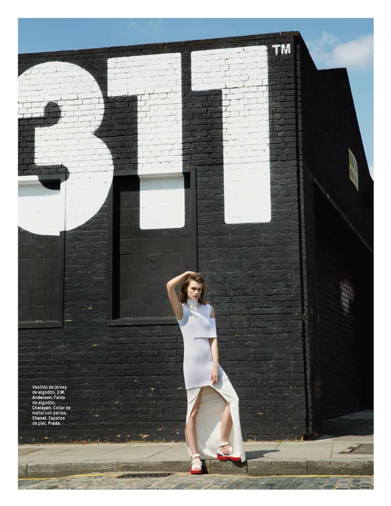 lara mullen model4 Lara Mullen is a Good Sport for LOfficiel Mexico by Sevda Albers
