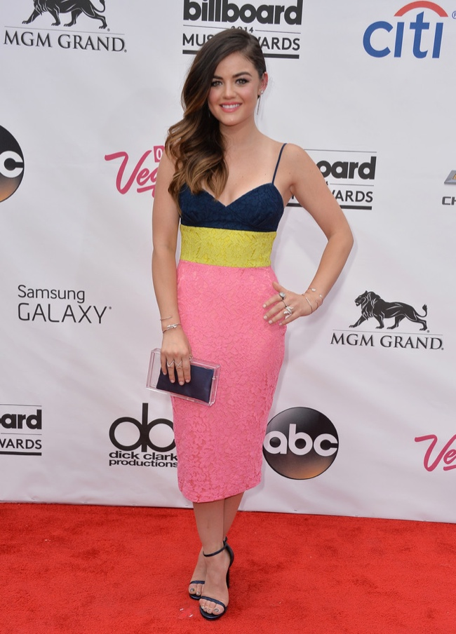 Lucy Hale tried on color blocking in Alex Perry
