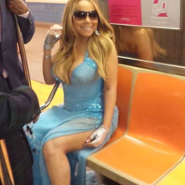 mariah versace subway Mariah Carey Wore Atelier Versace on the Subway Because…She's Mariah