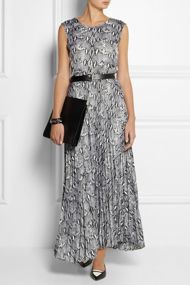 michael michael kors belted jersey dress Enjoy the Long Weekend with These Memorial Day Fashion Finds