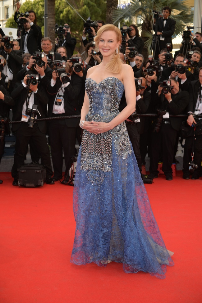 Nicole Kidman wore a blue, sequined embellished Armani Prive look