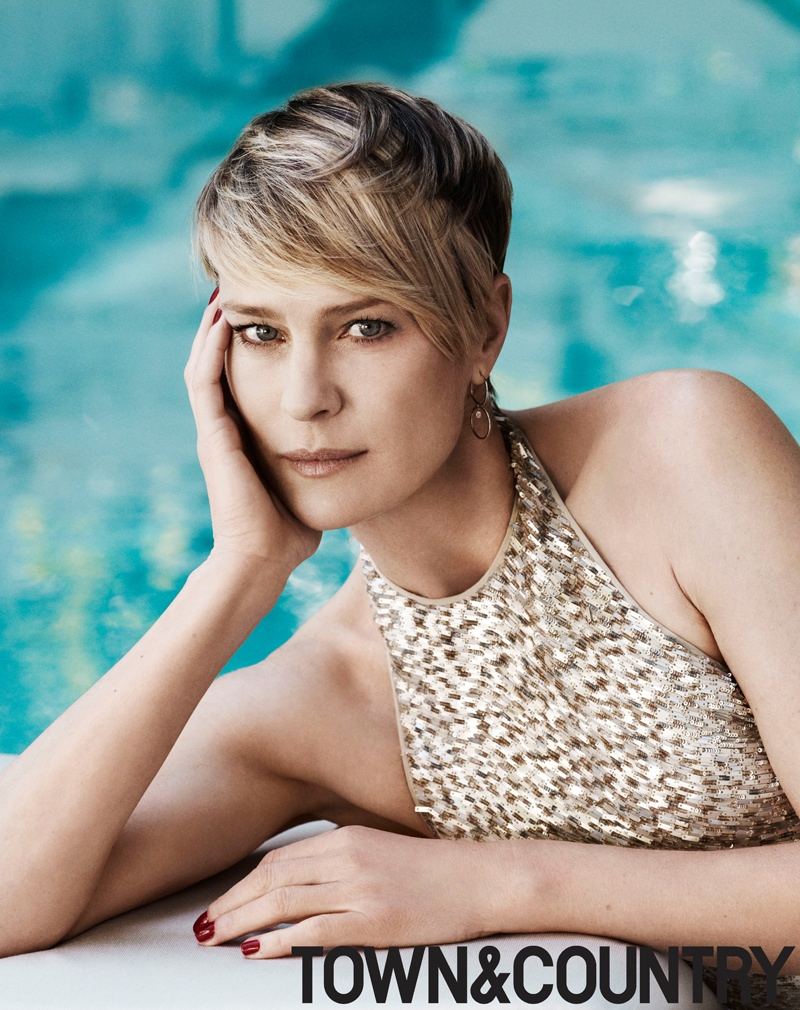 robyn wright 2014 3 Robin Wright Stars in Town & Country, Talks Aging without Plastic Surgery