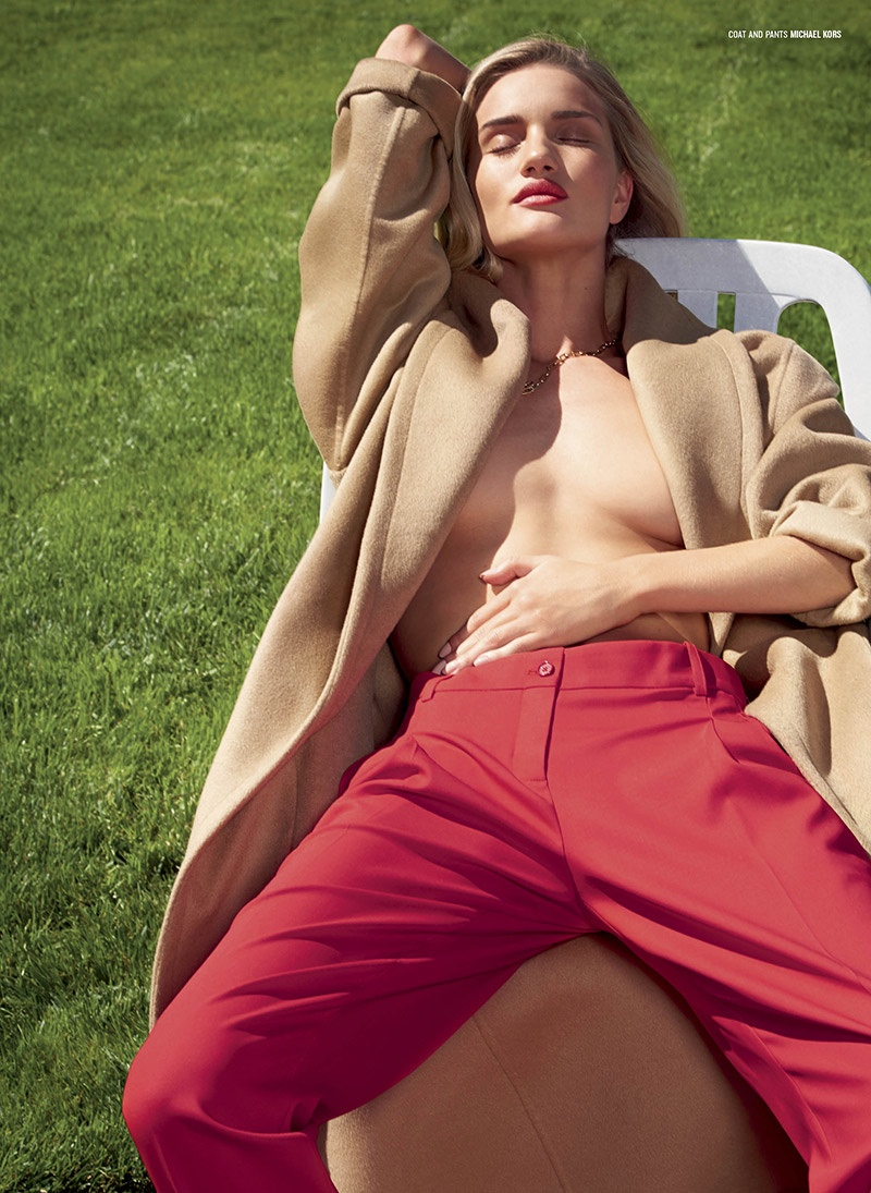 rosie huntington whiteley pants5 Rosie Huntington Whiteley Wears the Pants for Sexy V Magazine Shoot