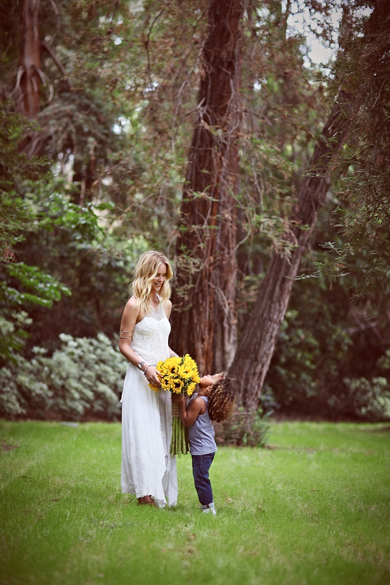 shelby keeton son mothers day fp1 Adorable! Shelby Keeton Poses with Her Son for Free People Mother's Day Shoot