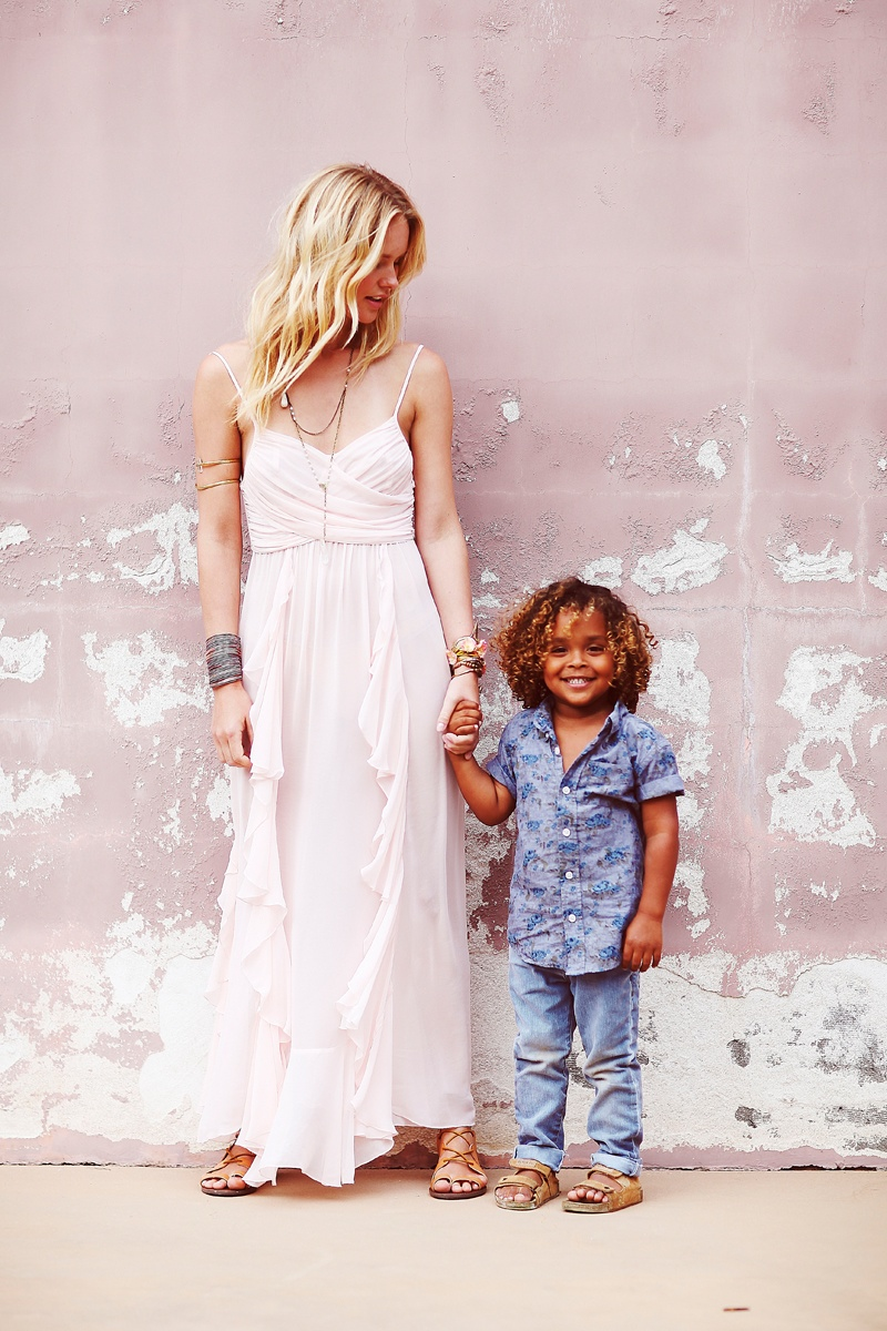 shelby keeton son mothers day fp3 Adorable! Shelby Keeton Poses with Her Son for Free People Mother's Day Shoot