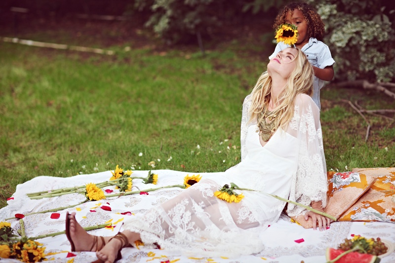 shelby keeton son mothers day fp4 Adorable! Shelby Keeton Poses with Her Son for Free People Mother's Day Shoot