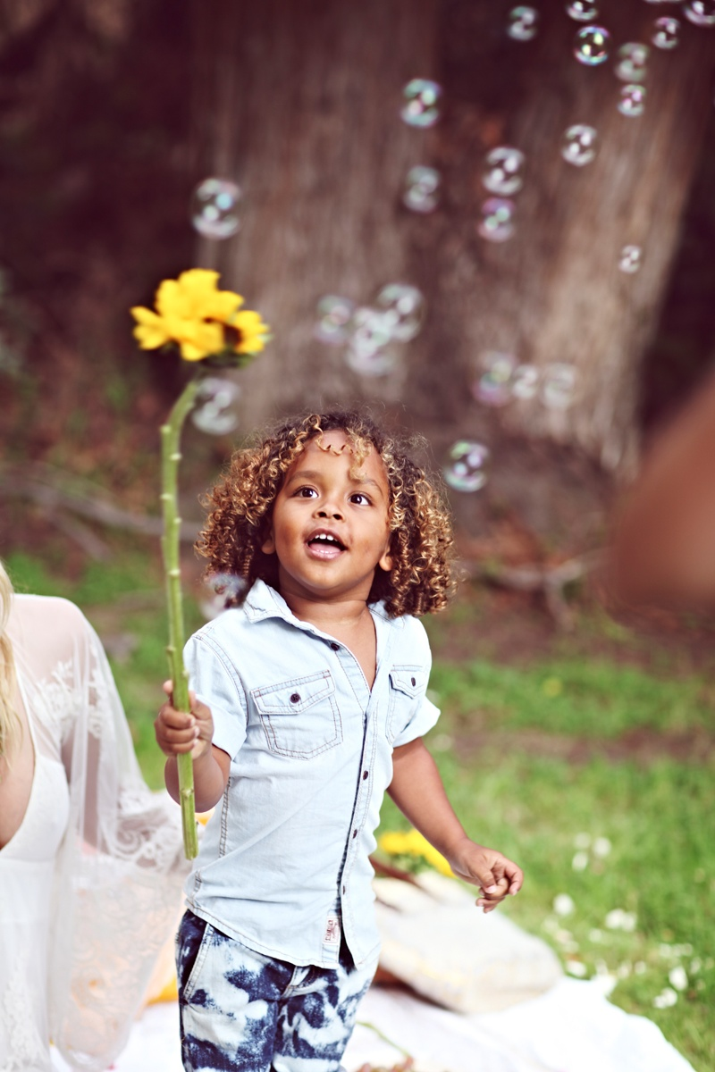 shelby keeton son mothers day fp5 Adorable! Shelby Keeton Poses with Her Son for Free People Mother's Day Shoot