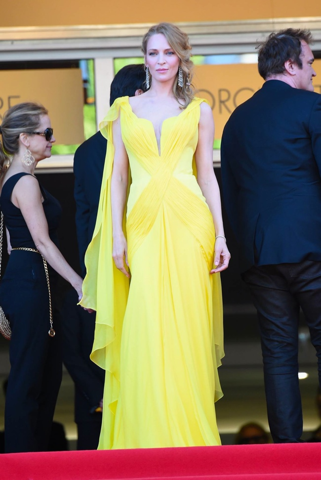 Uma Thurman also wore a yellow Atelier Versace gown