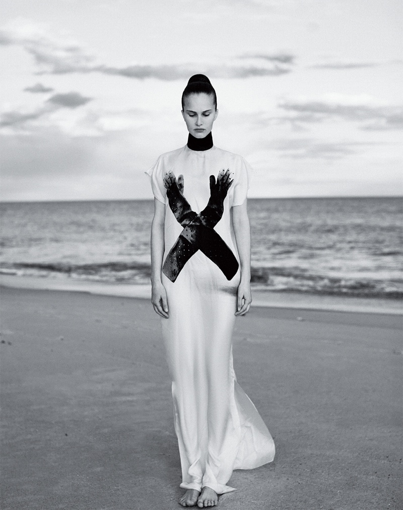Alla Kostromichova Model3 Alla Kostromichova Gets Moving for Harpers Bazaar Vietnam Shoot