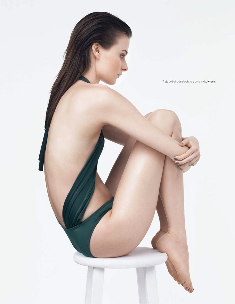 Vasilisa Pavlova Swimsuits5 Vasilisa Pavlova Models Swimsuits for LOfficiel Mexico by Andrew Yee
