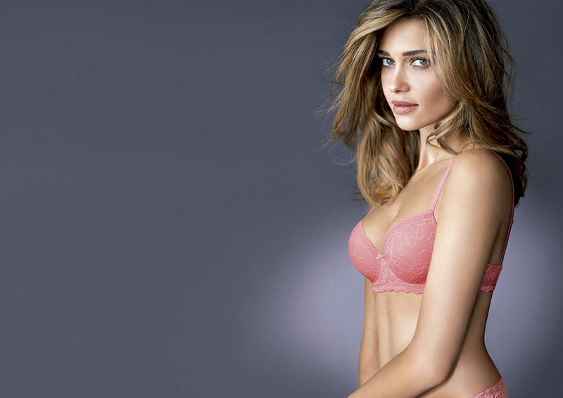 ana beatriz barros intimissimi 2014 lingerie1 Ana Beatriz Barros Celebrates the World Cup in Intimissimi Campaign