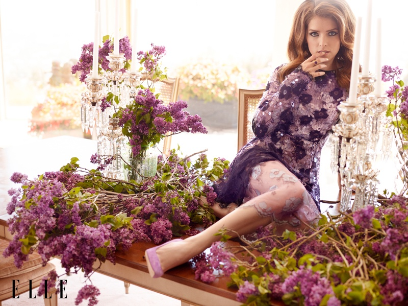 anna kendrick elle shoot2 Anna Kendrick Poses for ELLE, Talks Being a Late Bloomer