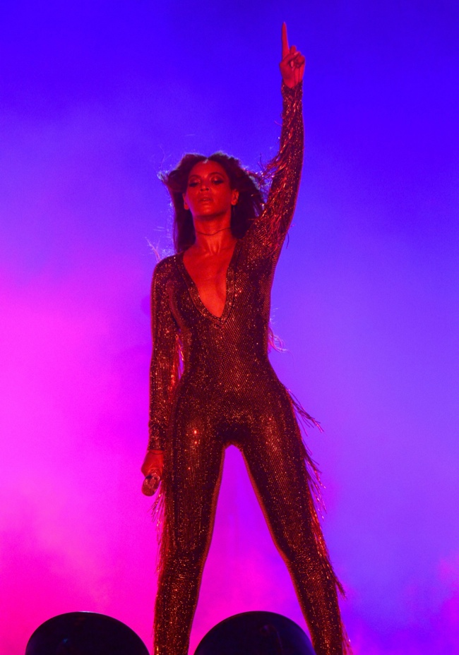 Beyonce wears glitter jumpsuit. Photo: Beyonce's website