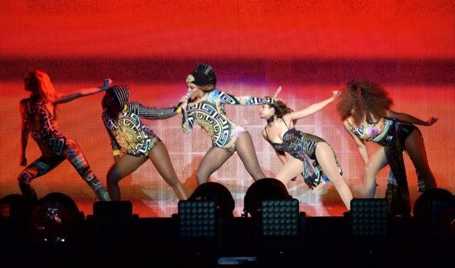 Beyonce wears costum medusa bodysuit by Versace. Image: Getty/Versace