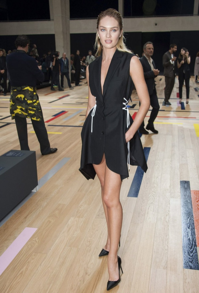 candice swanepoel dior black dress1 Candice Swanepoel: Elegant in Dior at Mens Fashion Week