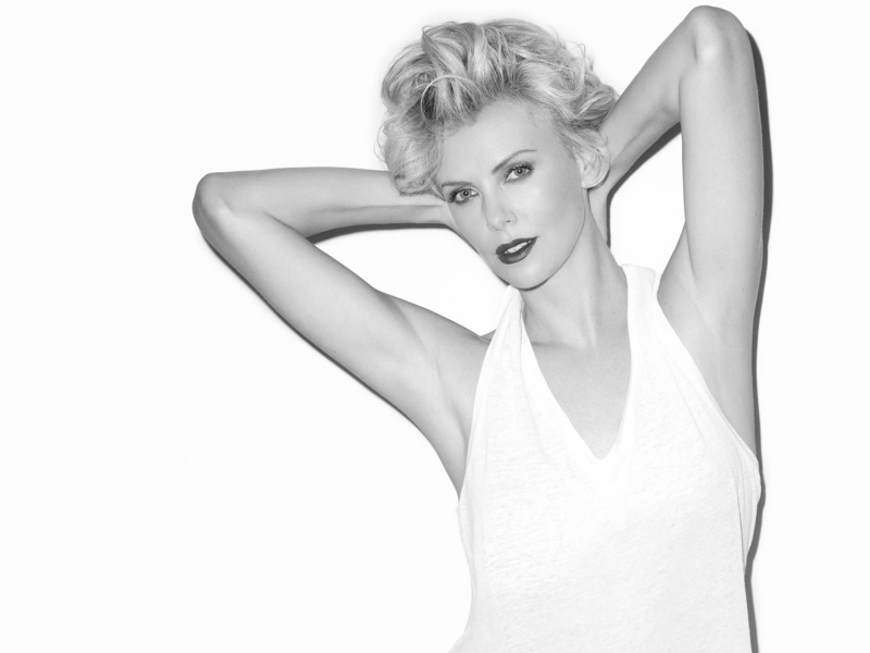 charlize theron terry richardson hot2 Charlize Theron is Hot in Black & White for Esquire UK Shoot by Terry Richardson