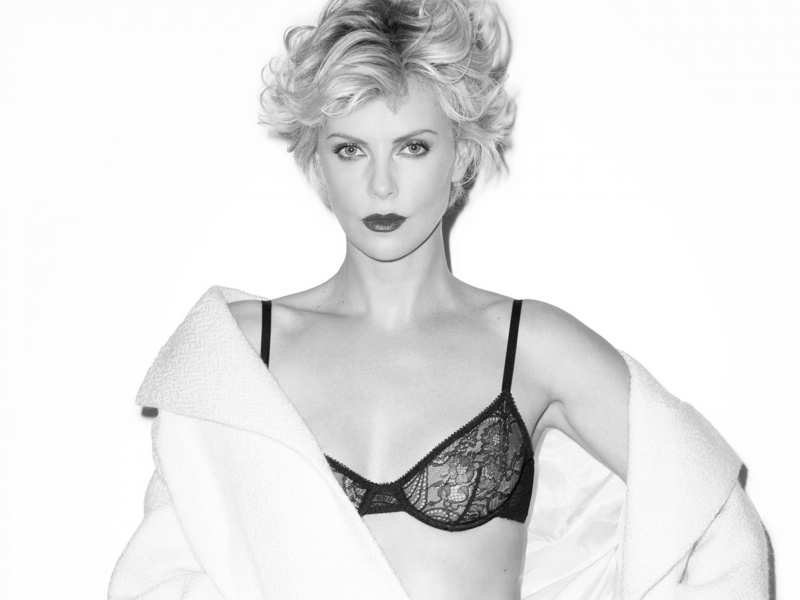 charlize theron terry richardson hot3 Charlize Theron is Hot in Black & White for Esquire UK Shoot by Terry Richardson