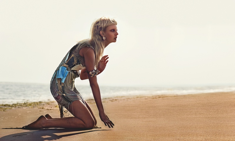 codie-young-punk-beach4