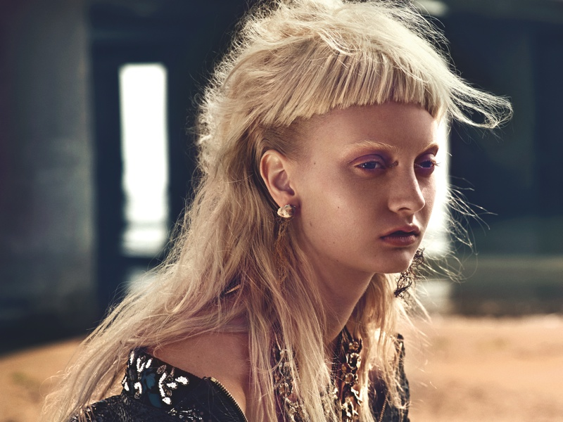 codie-young-punk-beach5