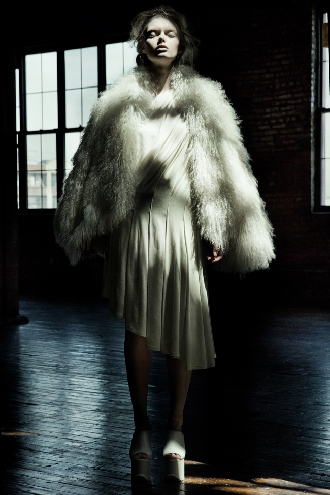 danica zheng designs6 Shades of Pale: Danica Zhengs Fall/Winter 2015 Collection