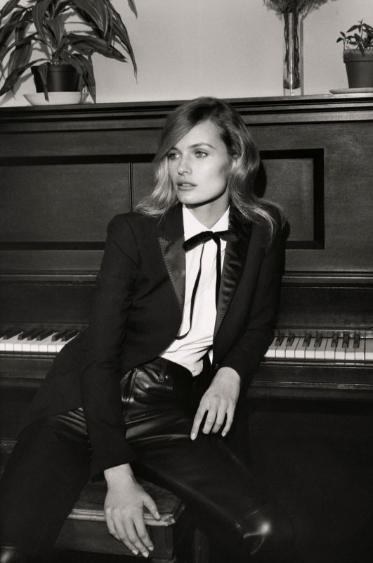 edita vilkeviciute black white2 Edita Vilkeviciute Poses for Mark Peckmezian in Black & White for Holiday Magazine