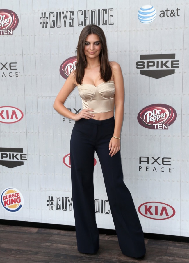 emily ratajkowski crop top look 2014 Spike Guys Choice Awards Style: Jessica Alba, Emily Ratajkowski + More