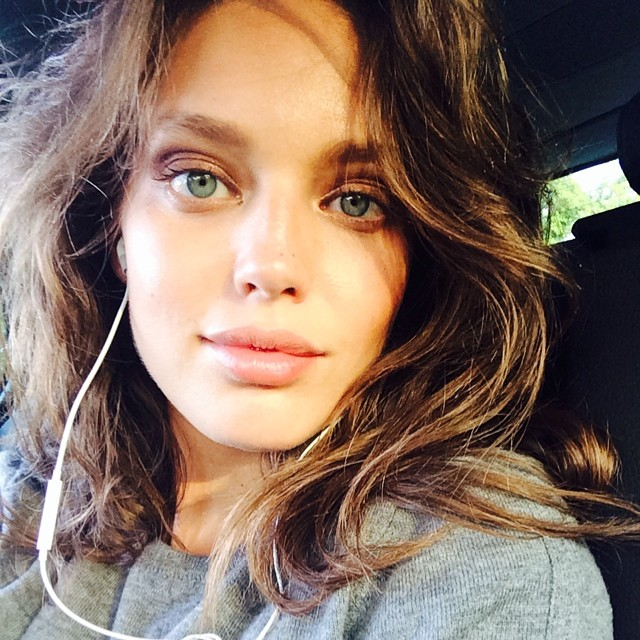 emily selfie Instagram Photos of the Week | Barbara Palvin, Miranda Kerr + More Models