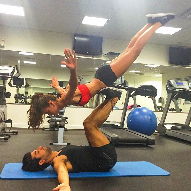 izabel goulart rodrigo casta gym Model Fitness! 12 Instagrams of Izabel Goulart Working Out