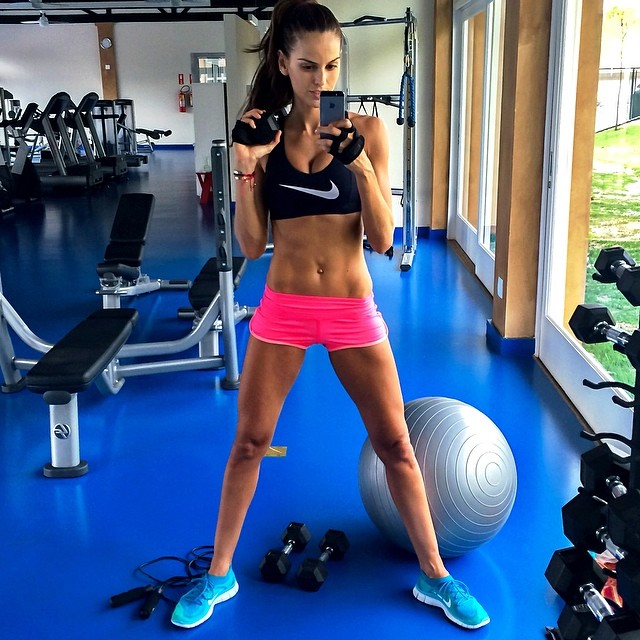 izabel nike gym Model Fitness! 12 Instagrams of Izabel Goulart Working Out
