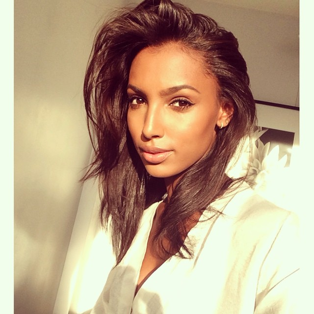 Jasmine Tookes takes a beautiful selfie