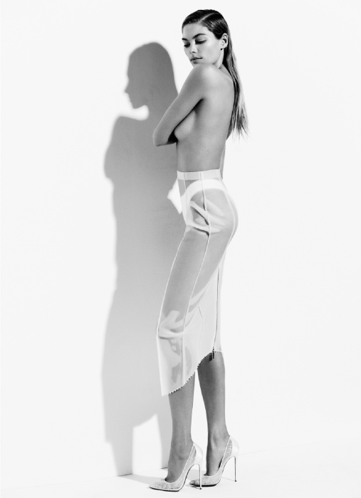 jessica hart hot 2 Jessica Hart is White Hot in Bazaar Australia Photos by Simon Upton
