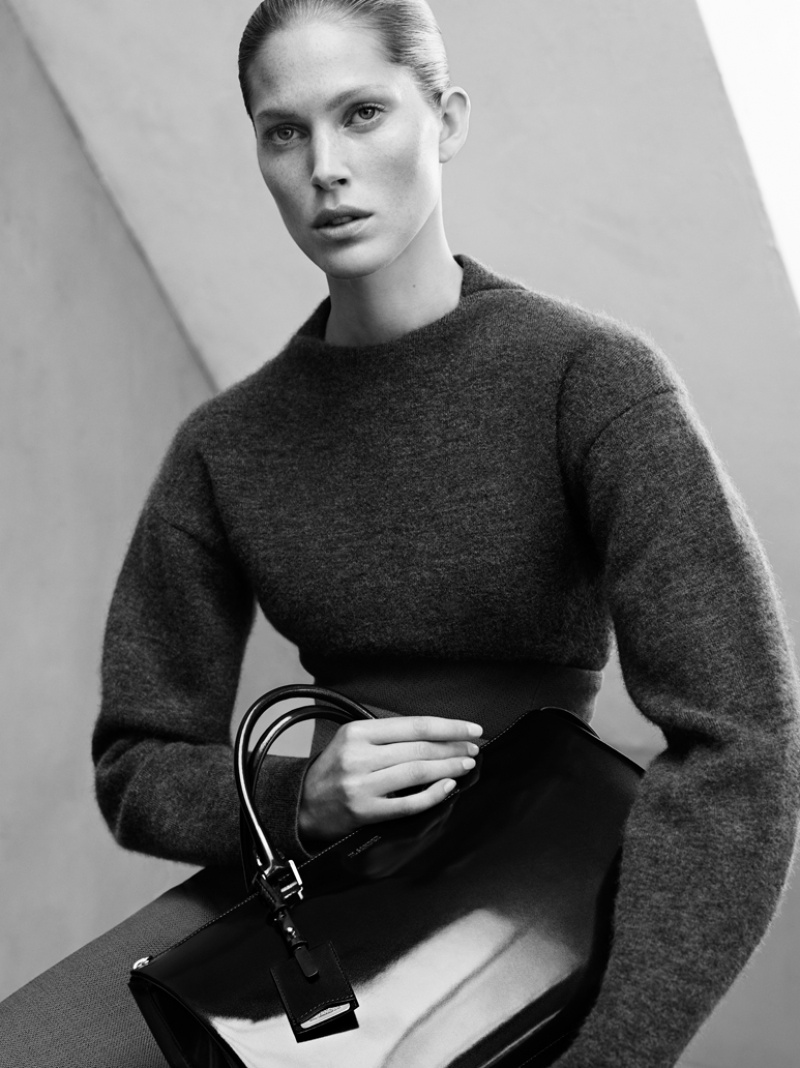 jil sander fall winter 2014 campaign3  Jil Sander Keeps it Simple for Fall 2014 Ads with Iselin Steiro