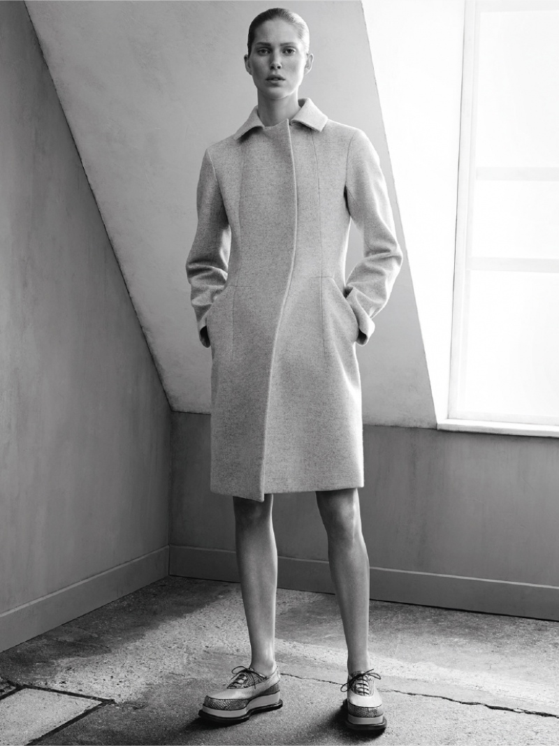 jil sander fall winter 2014 campaign4  Jil Sander Keeps it Simple for Fall 2014 Ads with Iselin Steiro