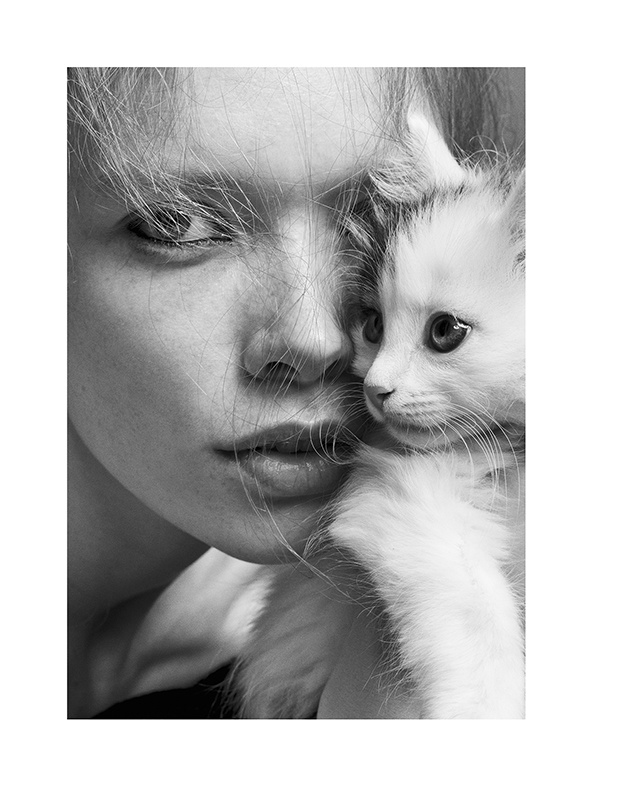 Julia Hafstrom with cat in Stockholm S/S/A/W