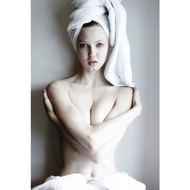 lindsey wixson towel Instagram Photos of the Week | Jessica Hart, Marloes Horst + More Models