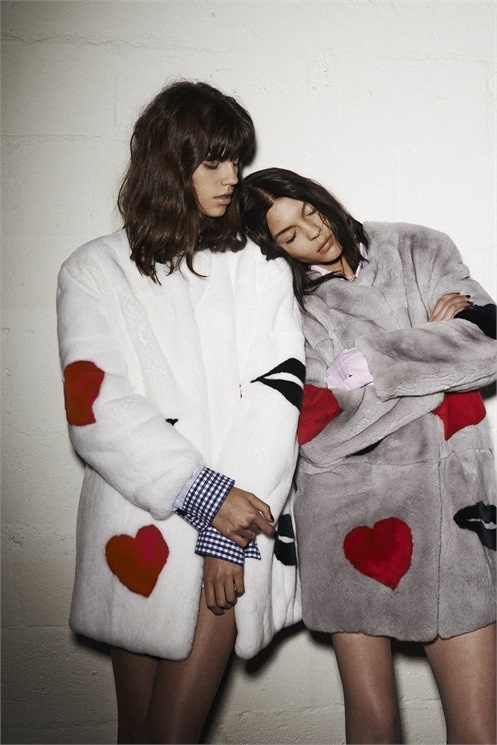 msgm lesbian fall 2014 campaign1 MSGM's Fall 2014 Campaign Features Lesbian Pairing with Antonina & Kate B.