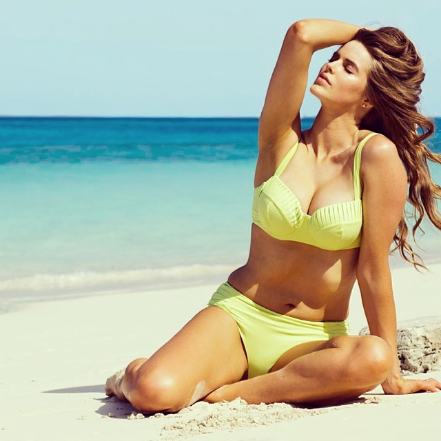 Why Are People Talking About Robyn Lawley's Figure?