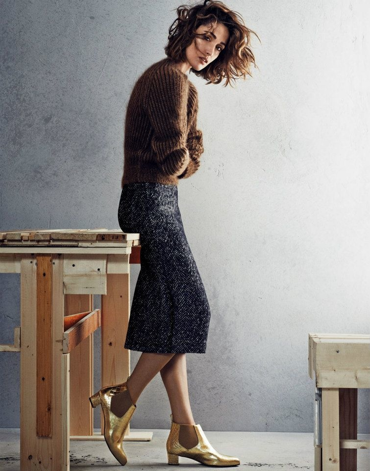 rose byrne max mara photos5 Rose Byrne Stuns in New Styles for Max Mara Shoot