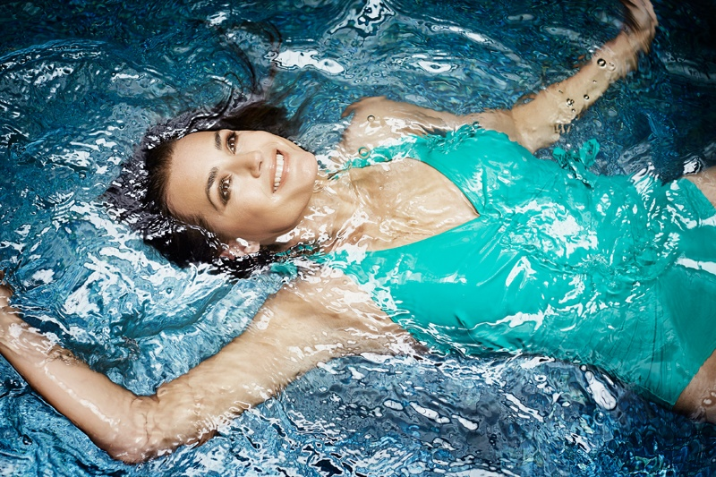 speed sculpture swimsuits 2014 1 At 49, Yasmin Le Bon Wears Swimsuits in Speedo Sculpture Ads