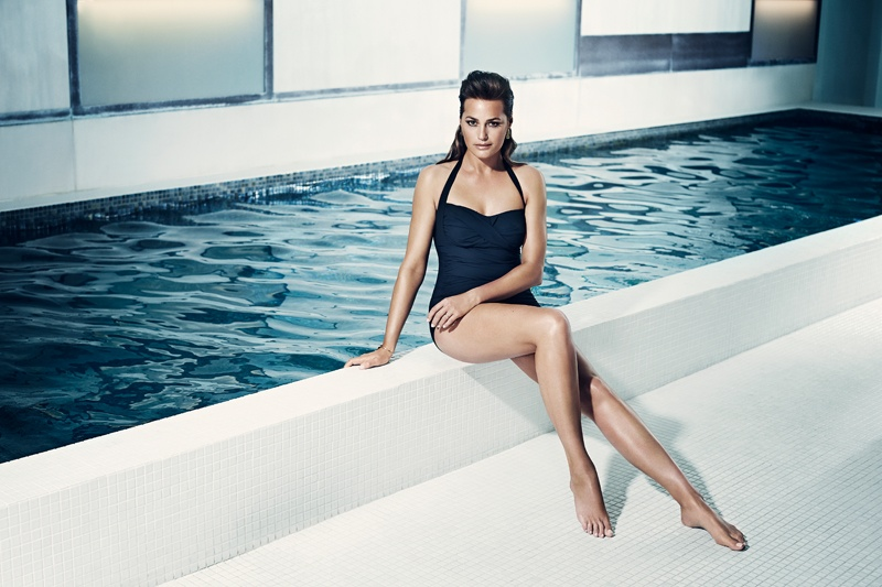 speed sculpture swimsuits 2014 3 At 49, Yasmin Le Bon Wears Swimsuits in Speedo Sculpture Ads