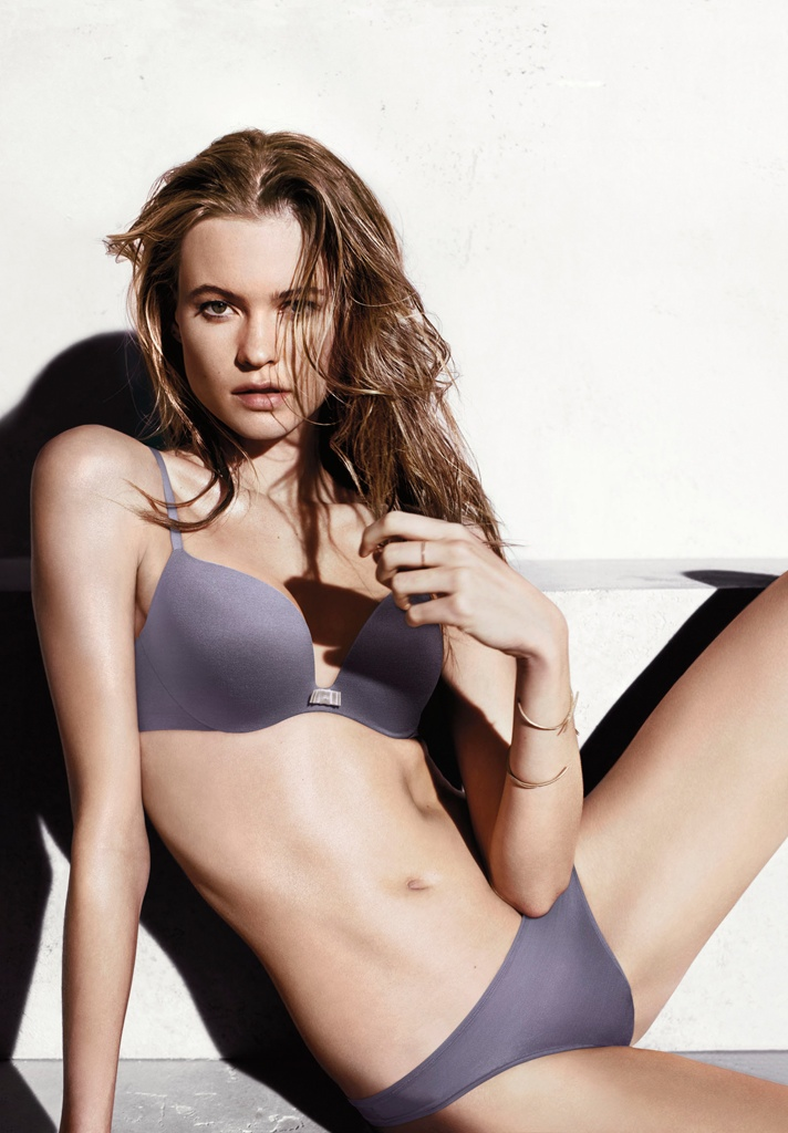 victorias secret incredible bra behati prinsloo3 Behati Prinsloo Looks Incredible in Victorias Secret Promos