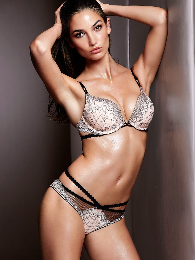 victorias secret lily aldridge lingerie1 Lily Aldridge Brings the Heat in Victorias Secret Lingerie Shoot