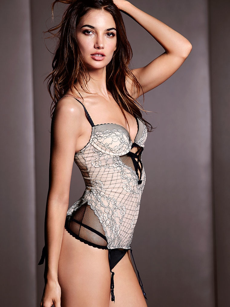 victorias secret lily aldridge lingerie2 Lily Aldridge Brings the Heat in Victorias Secret Lingerie Shoot