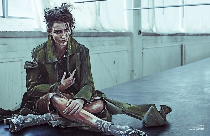 zuzanna bijoch scare crow9 Zuzanna Bijoch Gets Gritty for Scandinavia S/S/A/W Shoot