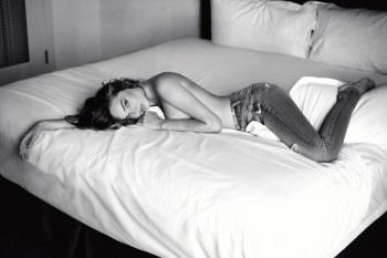 More Photos From Miranda Kerr's 7 for All Mankind Ads Revealed
