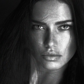 Adriana Lima shows her trademark smoldering gaze. Photo: Instagram/mertalas