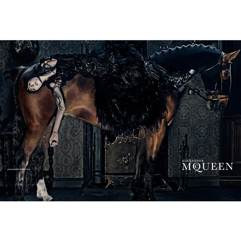 alexander-mcqueen-2014-fall-winter-campaign2