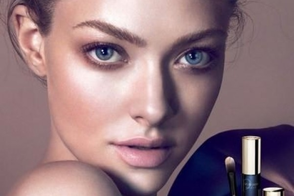 amanda-seyfried-cle-de-peau-beaute-2014-campaign2