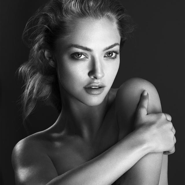 amanda-seyfried-cle-de-peau-beaute-2014-campaign3